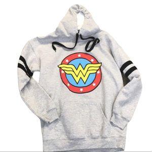 NWOT Wonder Women Hoodie Gray Graphic Junior 11-13